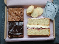 The Cake Tasting Club: The Classic Cake Box